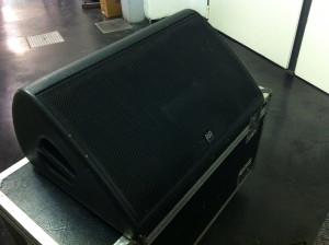 12 MONITOR MARTIN LE2100 + ACCESSORI – Usato in vendita